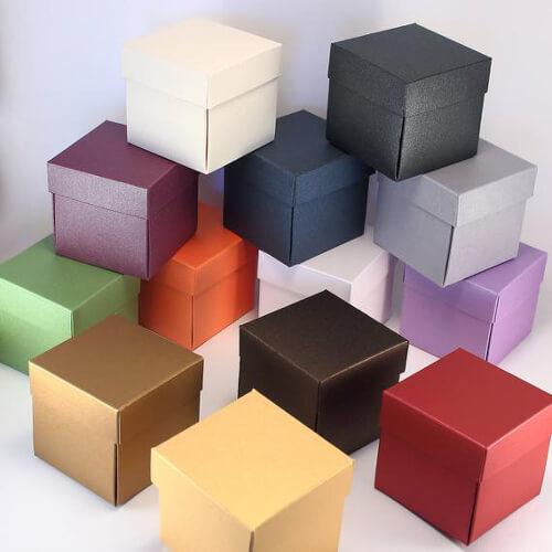 Scatola con stampa a colori